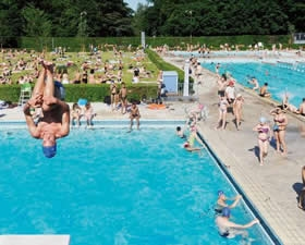 Piscine nancy thermal d couverte sports aquatiques for Piscine thermal